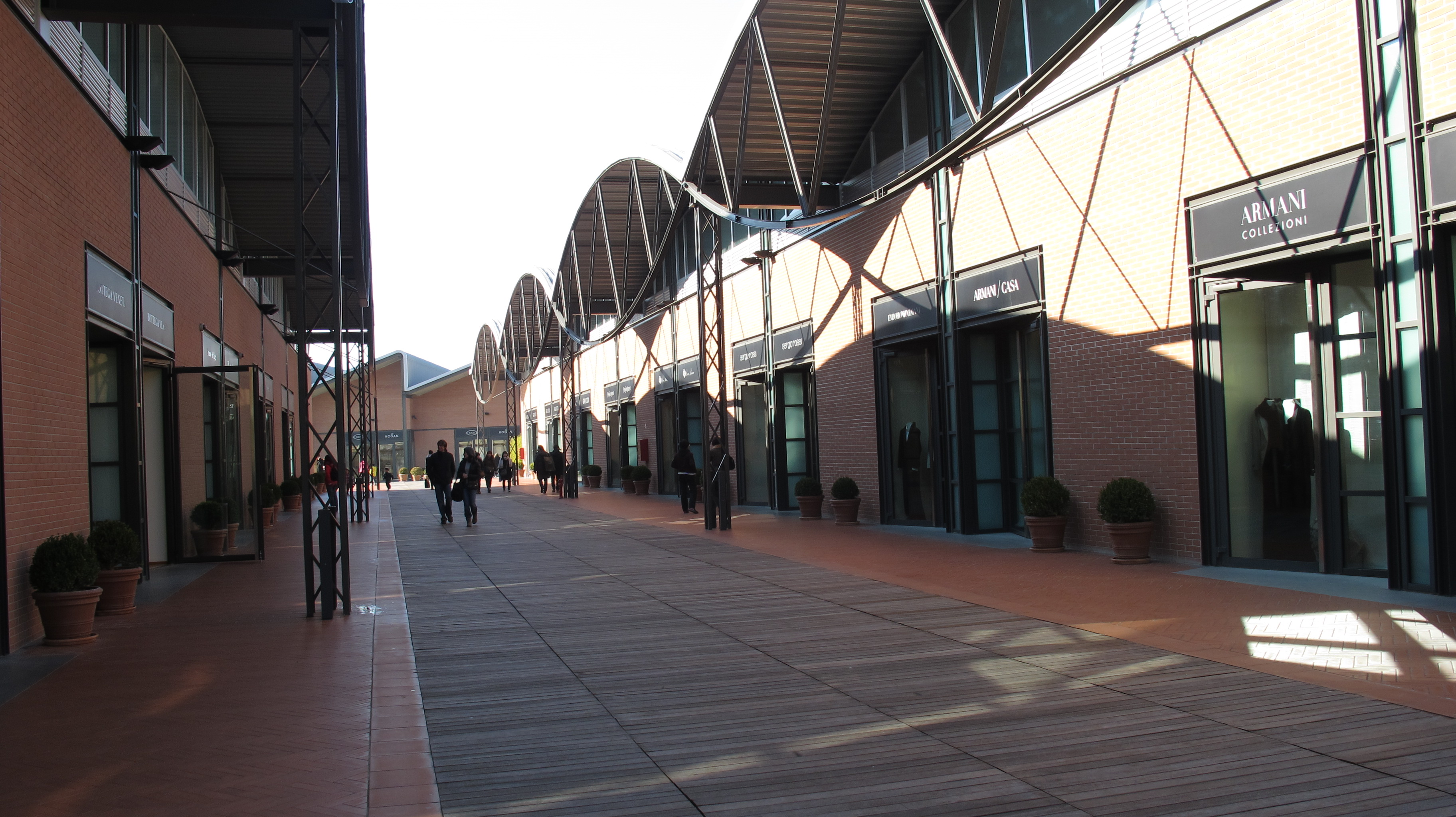 The Mall – outlet shopping near Florence  c6fef0b7df7f