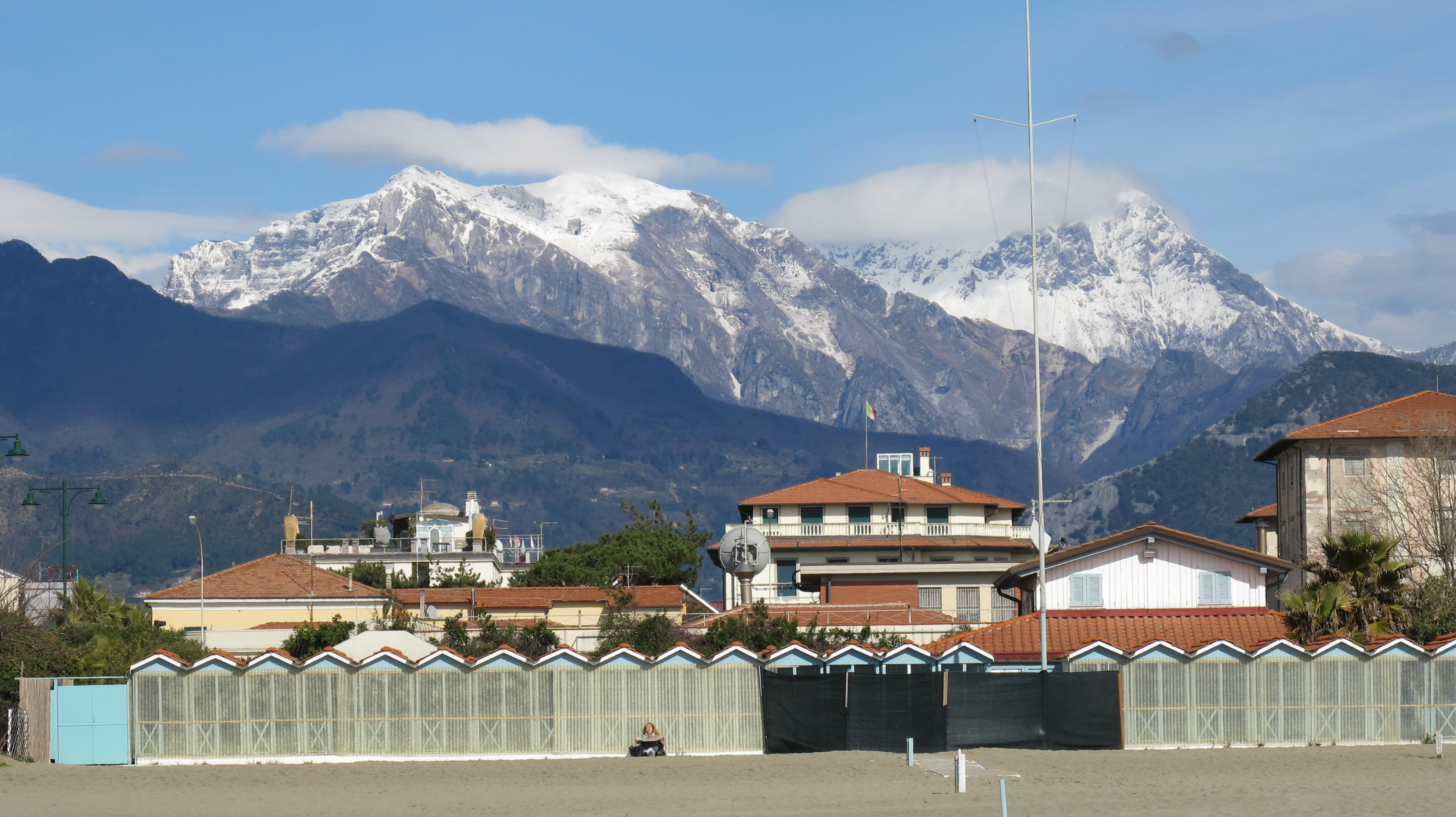 the beach at forte dei marmi | bagni di lucca and beyond, Hause ideen