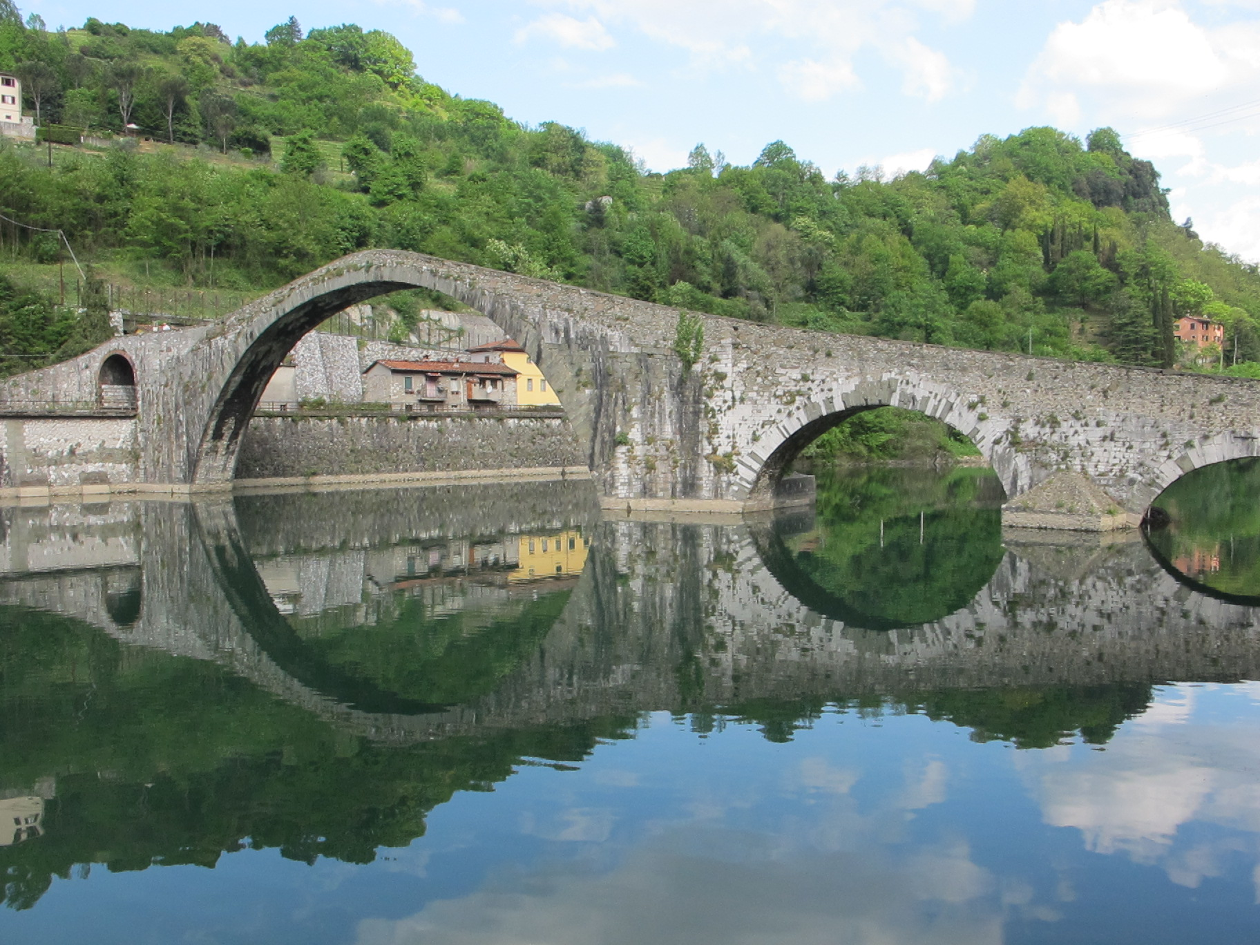 devils bridge on the way to lucca
