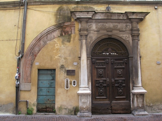 20140406-091136.jpg & The most impressive door in Lucca? | Bagni di Lucca and Beyond Pezcame.Com
