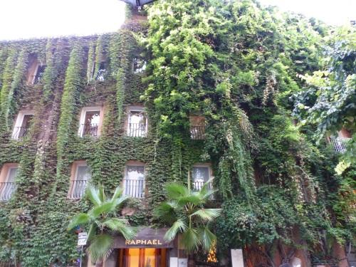 Green walls Rome