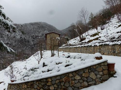 Casa Debbio in snow